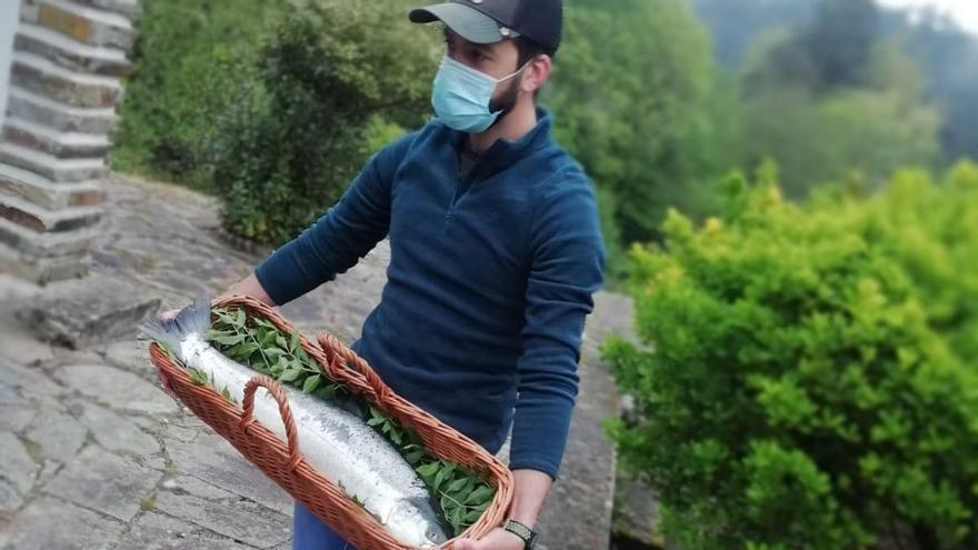 """El """"campanu"""" de Asturias, capturado en el Eo"""