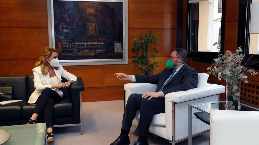 """Contacto """"positivo"""" entre el presidente Barbón y """"la jefa de la oposición"""", Teresa Mallada"""