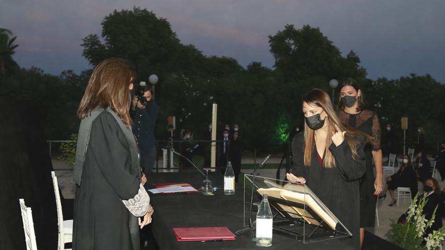Cerca de 100 nuevos abogados del ICAV juran la Constitución en València