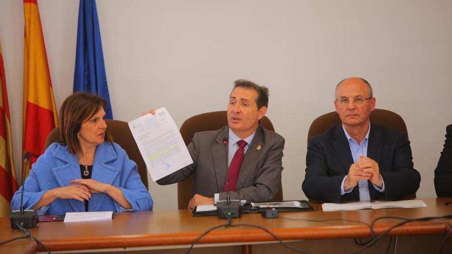 Alcaldes y Consell exigen una comisión para ampliar la V30