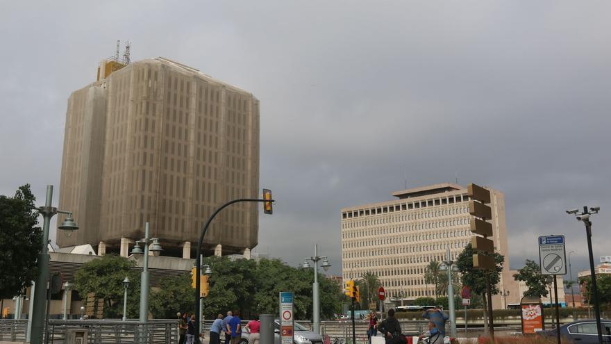 Urbanismo detecta robos, destrozos, escombros y basura en el edificio de Correos