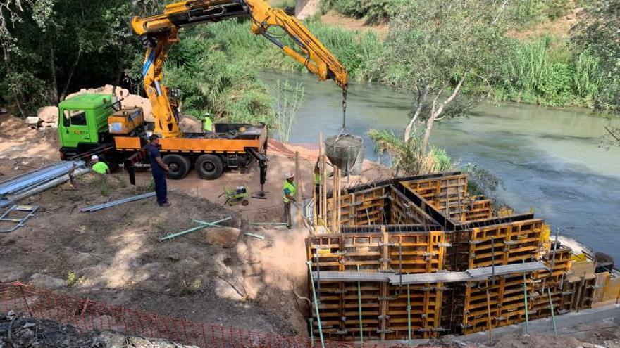 El portón que evitará en  Alzira que el río anegue el colector estará en julio