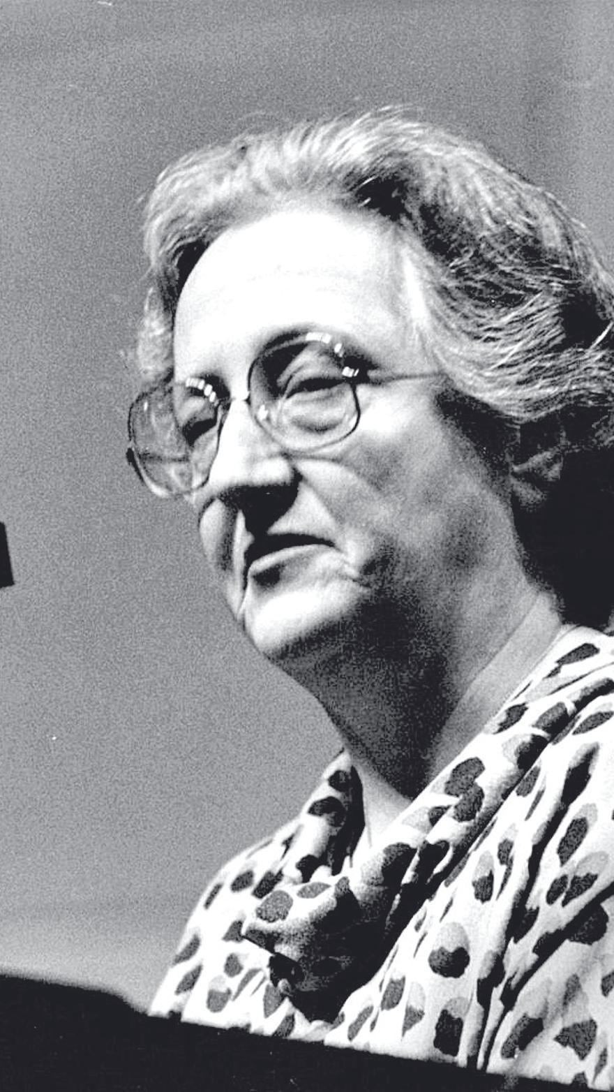 Aina Moll, dona activista i pionera