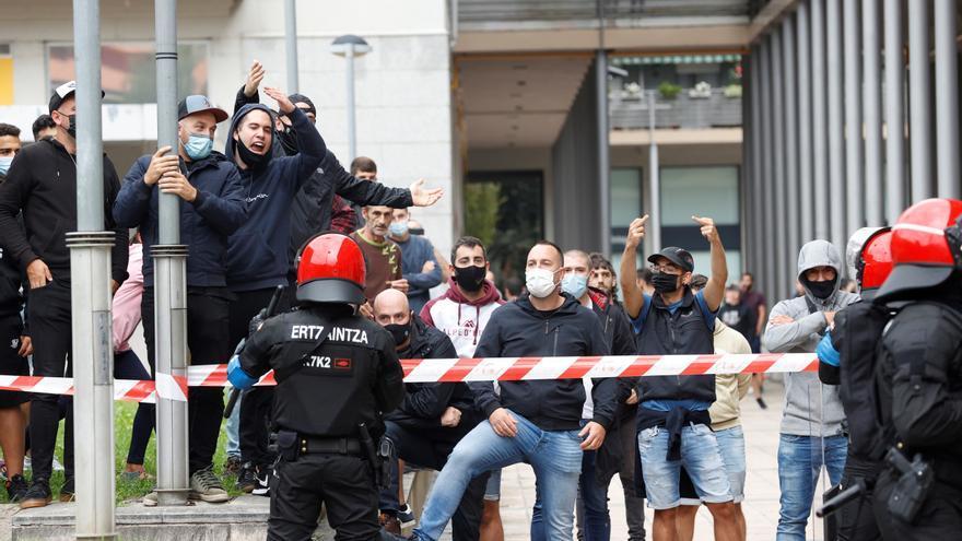 El acto apoyado por Vox en Guipúzcoa acaba con cargas policiales