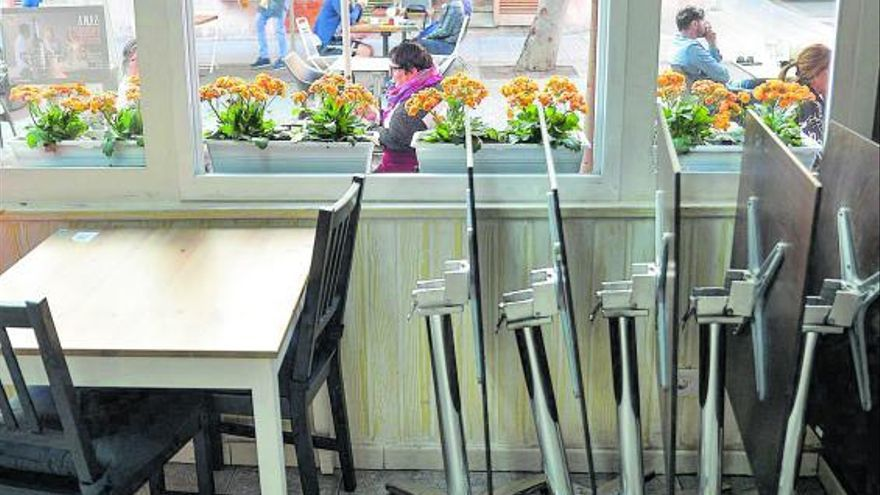 Sanidad ve viable abrir las terrazas  hasta las 2.00 con el virus controlado