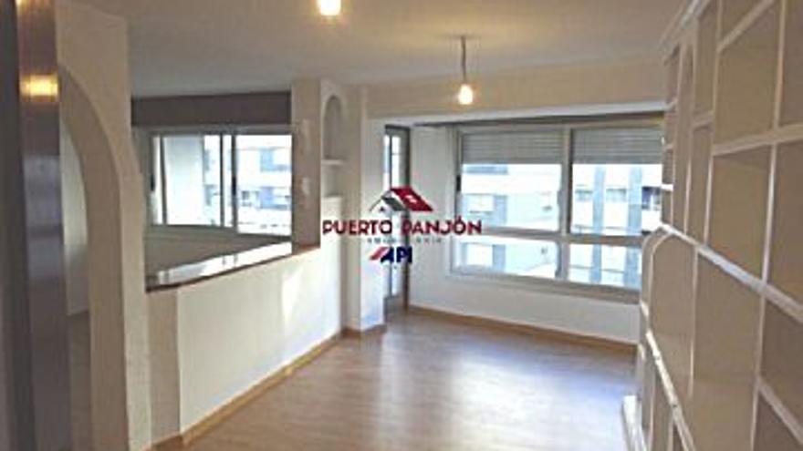550 € Alquiler de piso en Sardoma, Castrelos (Vigo), 4 habitaciones, 1 baño, 1 aseo, 4 Planta...