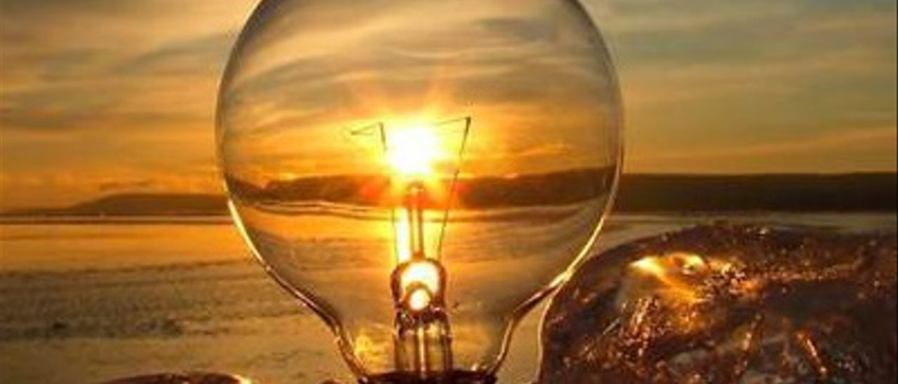 Con una serie de sencillos consejos se puede ahorrar en la factura de la luz