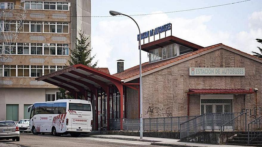 La Xunta valora revertir en el Concello la titularidad de la estación de autobuses