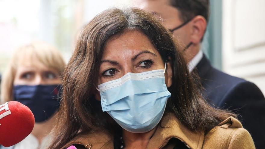 """La alcaldesa de París, tras el cierre de las librerías: """"No compréis en Amazon"""""""