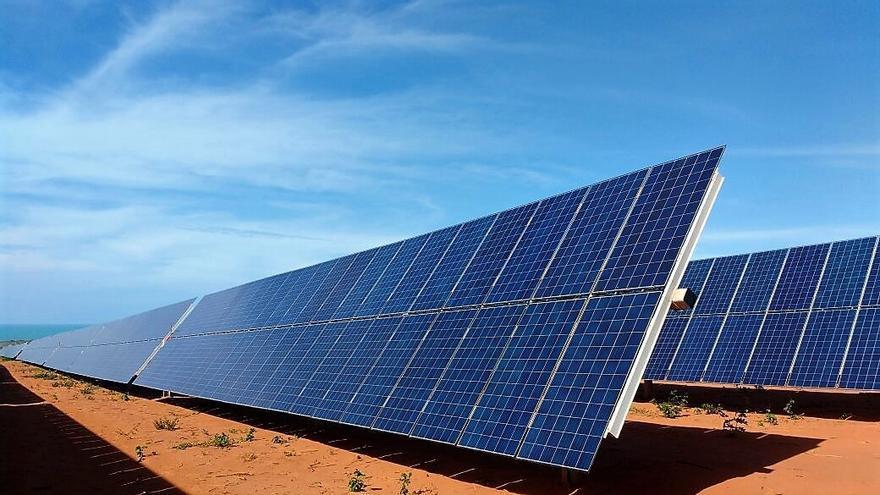 La Junta da luz verde a la planta solar fotovoltaica en Roales del Pan y Valcabado