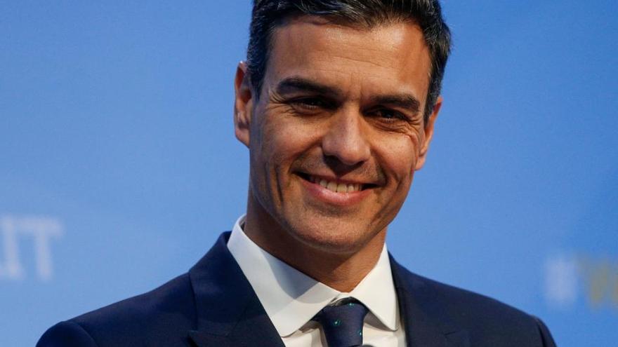 Sánchez se compromete a intentar subir el gasto militar al 2% del PIB