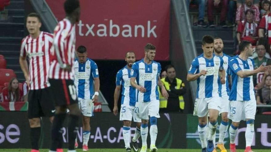 Iker Muniain da la victoria al Athletic Club en el descuento
