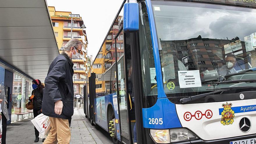 """El nuevo """"autobús digital"""" del Consorcio de Transportes, a prueba en la comarca"""