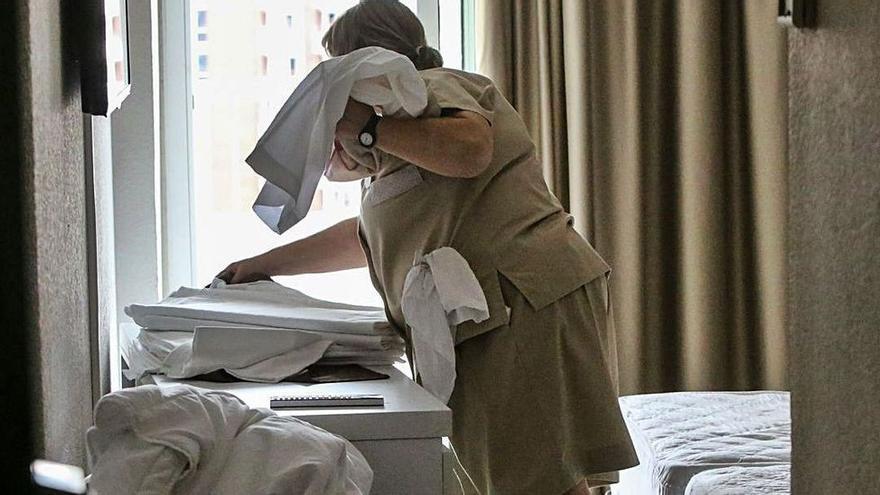 Hilton elimina la limpieza diaria de sus habitaciones: reacciones en Baleares