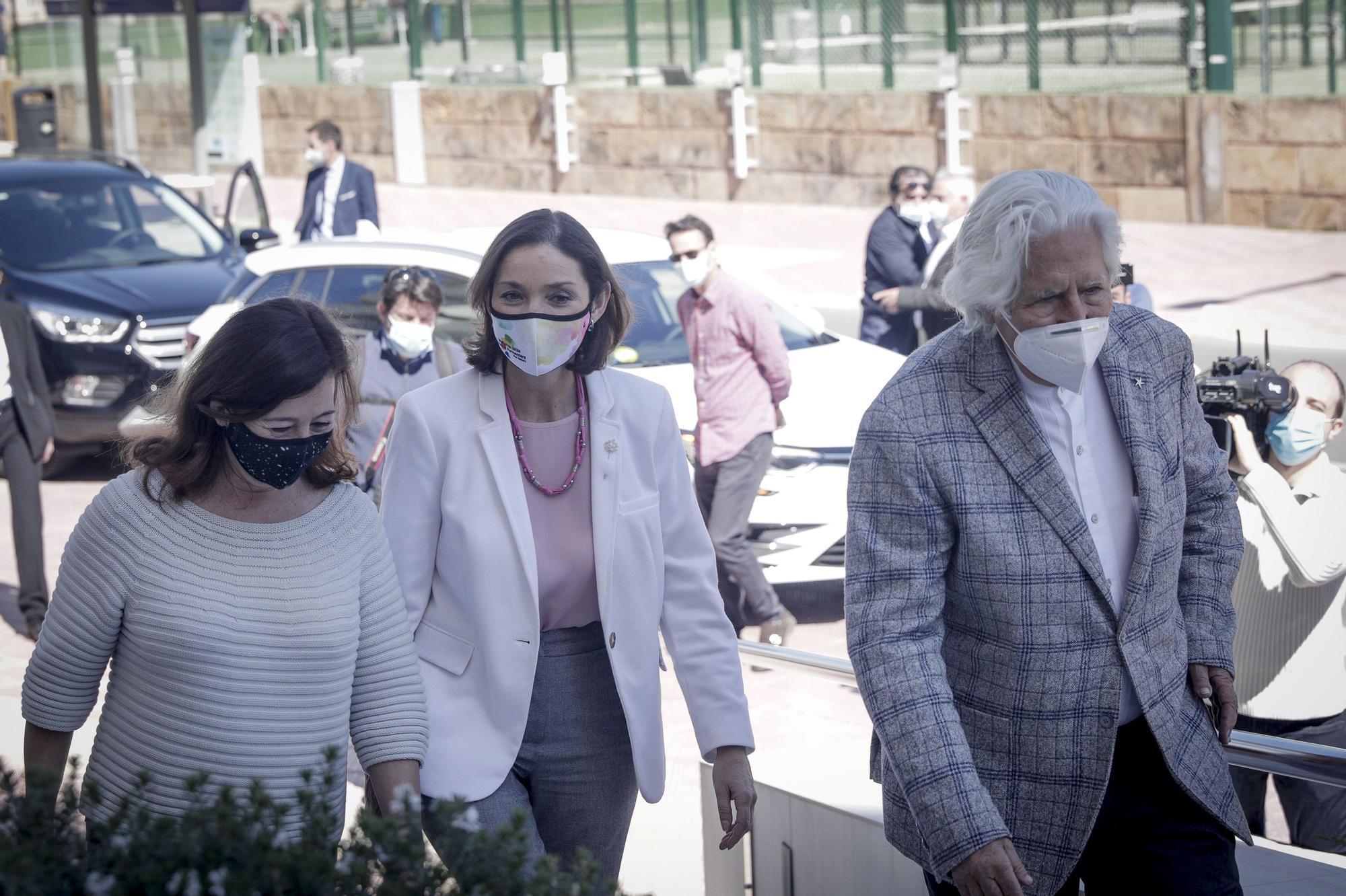 La ministra Maroto visita Mallorca y se reúne con el Govern y los hoteleros