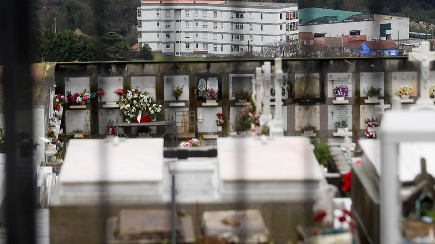 El estado de conservación del cementerio de Valliniello indigna a los vecinos