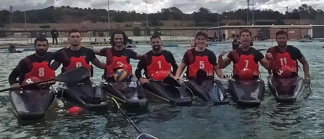 Integrantes del senior masculino en aguas madrileñas. | A.A