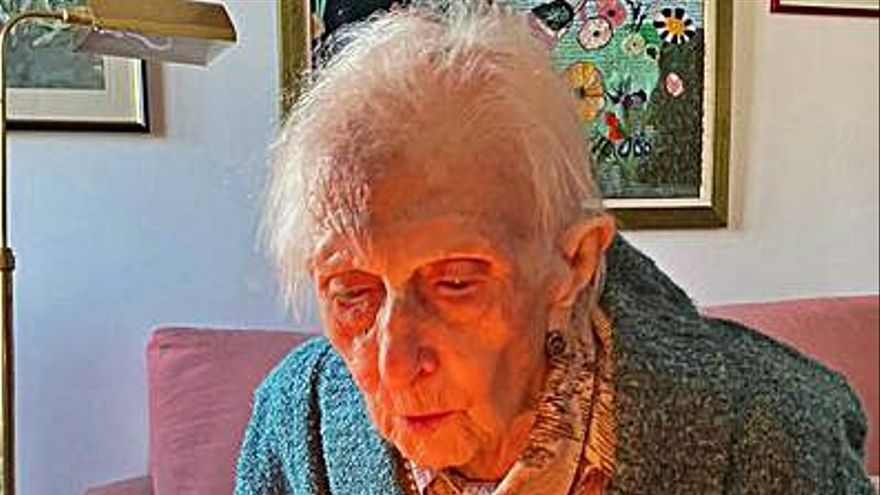 "Lucinda, la ""abuela"" de O Rosal, celebra su 106 cumpleaños"