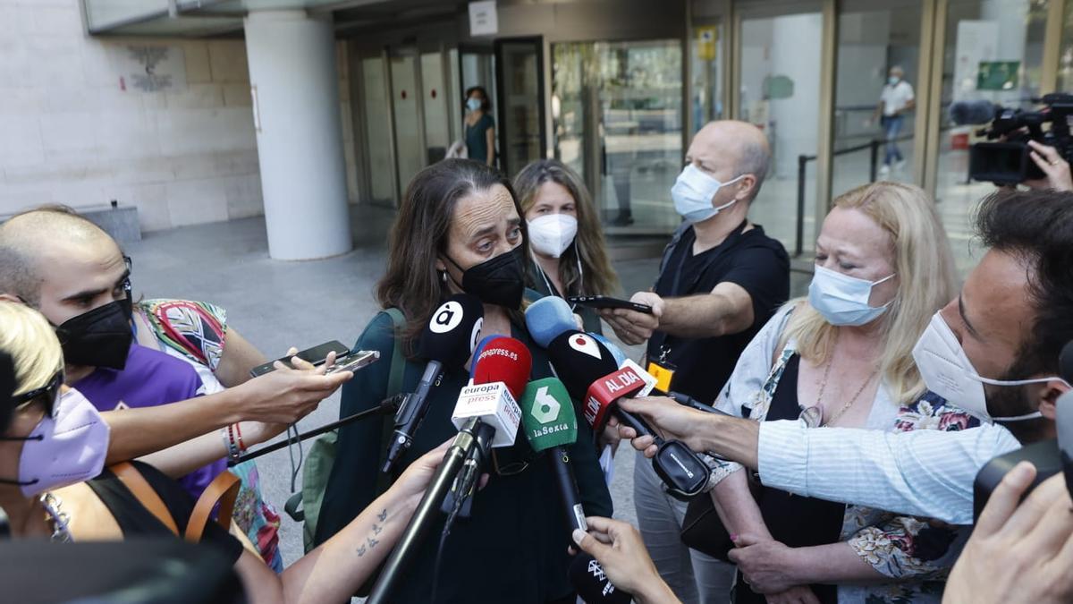 La abuela de los niños asesinados de Godella pide a los medios respeto a su hija enferma