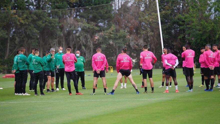 Entrenamiento del Córdoba CF en la Ciudad Deportiva tras la ratificación de Pablo Alfaro