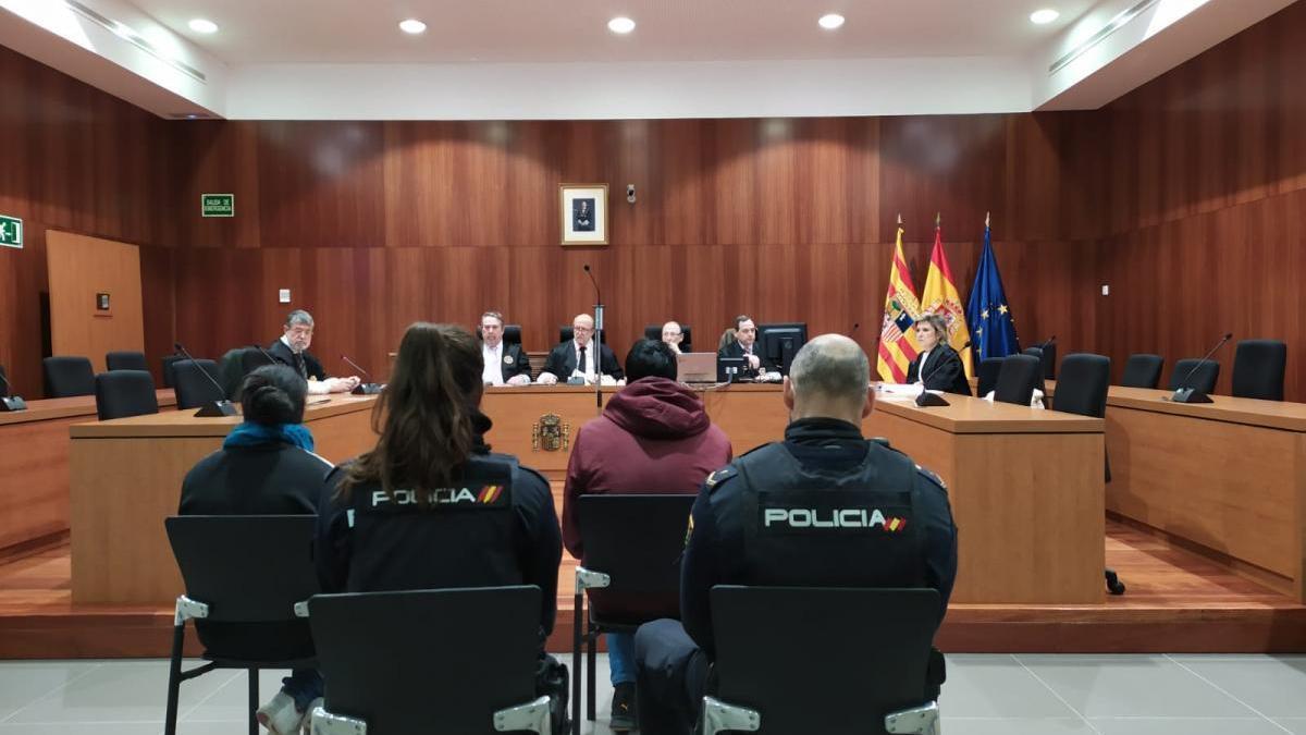 Acusado un vendedor de un kebab de Zaragoza por abusar de niñas y exhibicionismo