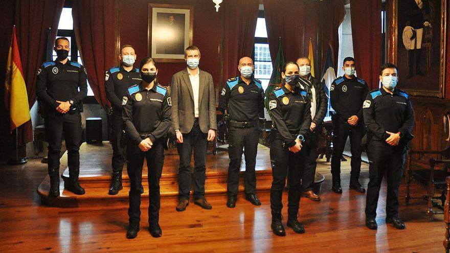 La plantilla de la Policía Local de Vilagarcía se refuerza con la incorporación de seis agentes