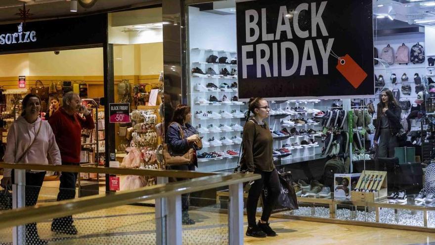 Verkaufsoffener Sonntag verlängert die Rabatt-Schlacht