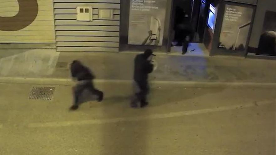 Los acusados de explotar cajeros  niegan ser miembros de la banda