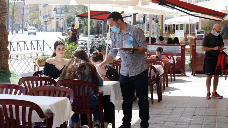 Guía práctica sobre restricciones: esto es lo que se puede hacer en Ibiza hasta el 25 de abril