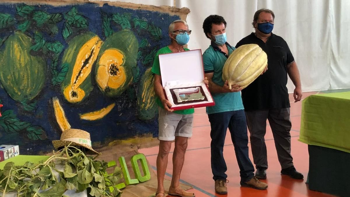 Sebastià Jaume y Bernat Andreu premio al melón más grande de la Fira de Vilafranca