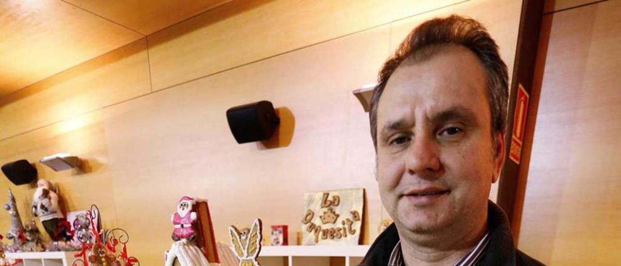 Julio Pardo, hace un mes, en el salón de los dulces navideños.