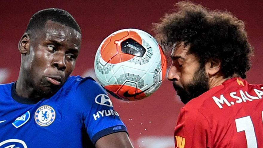 La derrota del Chelsea en Liverpool deja al rojo vivo la pelea por entrar en Champions