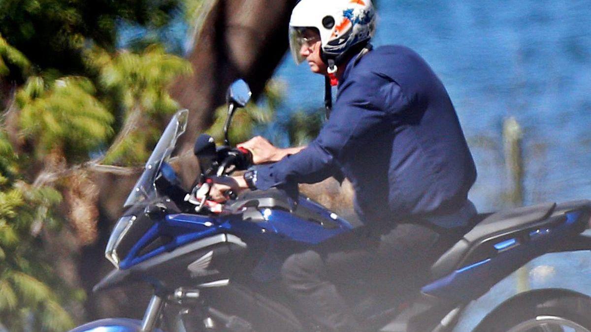 Jair Bolsonaro, en la moto y sin la mascarilla.