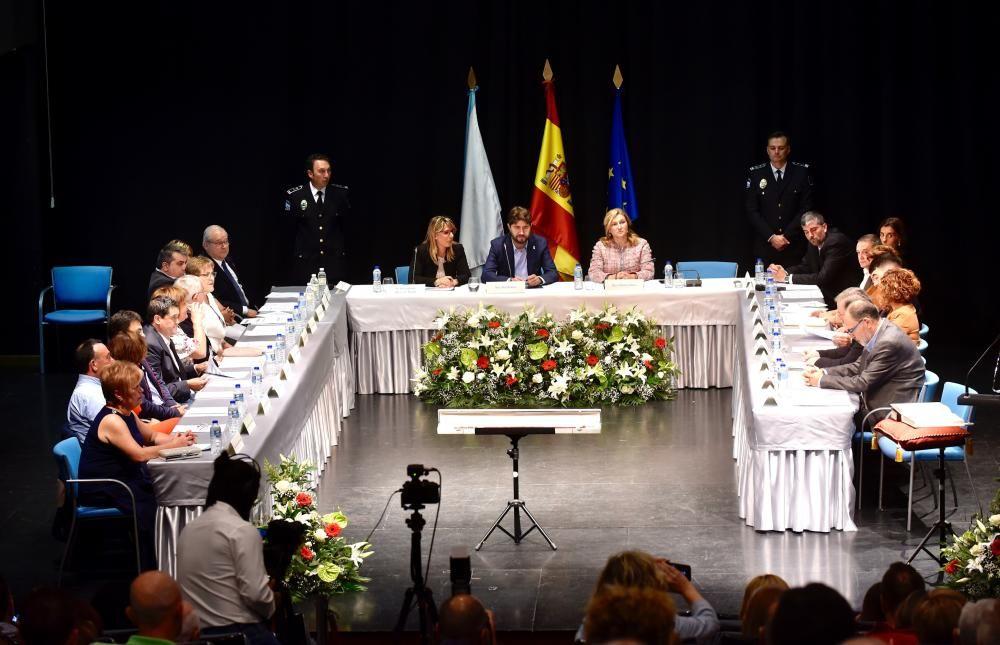 Carlos Calvelo, investido alcalde de Arteixo