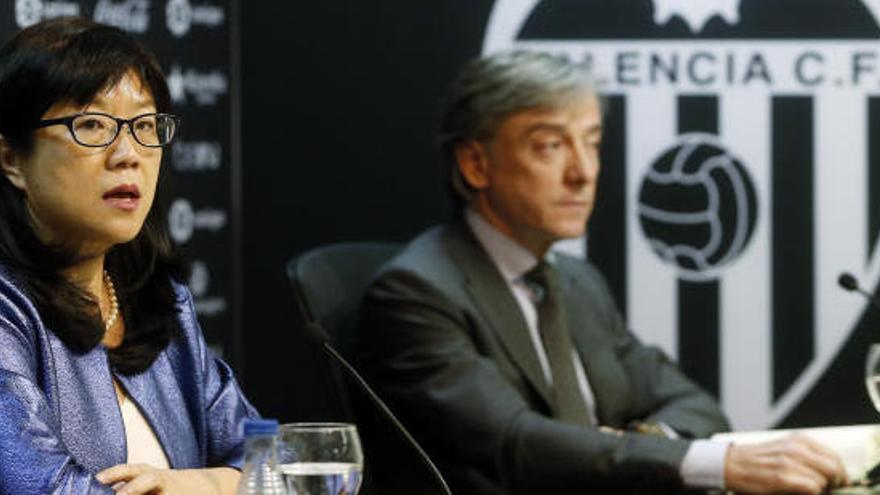 """La presidenta del Valencia: """"Yo soy Peter Lim y estoy aquí"""""""