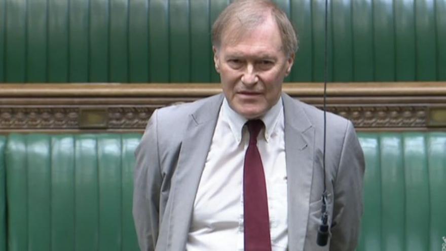 Fallece apuñalado un diputado británico en un acto con votantes