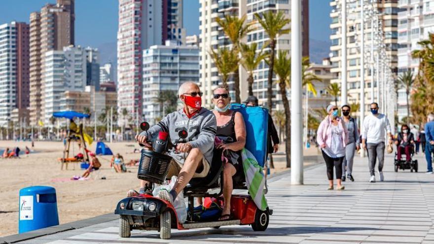 Los turistas británicos podrán viajar a la Costa Blanca sin visado y estar 90 días