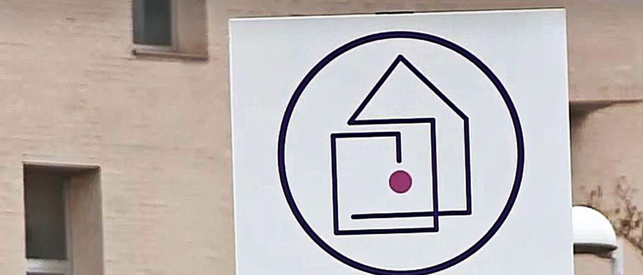 Cartel indicando  municipio libre de violencia de género | D.V.
