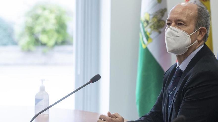 """Campo duda si """"es bueno"""" ir al """"derecho penal"""" por la vacunación del obispo de Cartagena"""