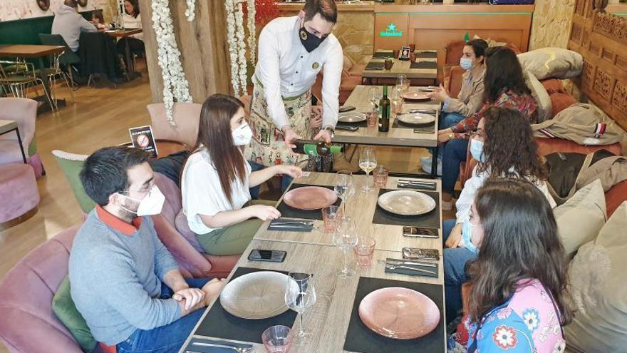 Cambio en las restricciones: estos son los requisitos para cenar en restaurantes