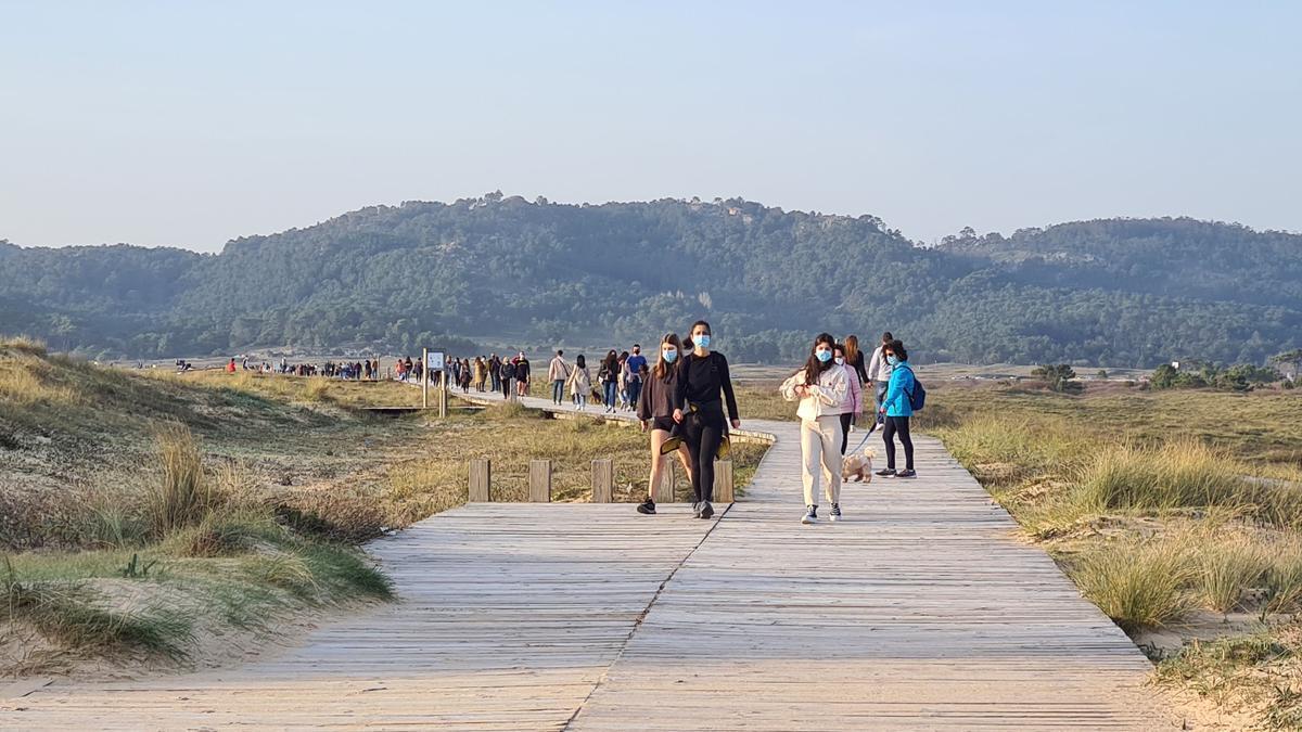 El paseo de la playa de A Lanzada