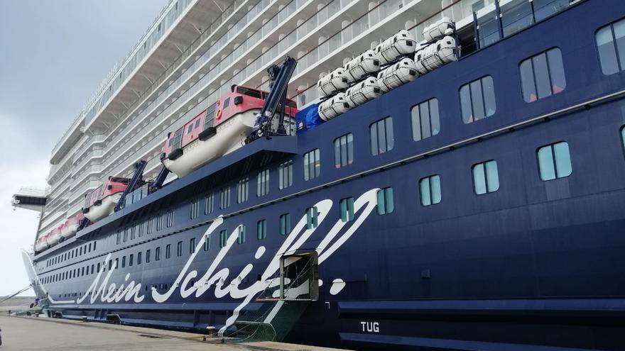 Los cruceros, contra su estigma