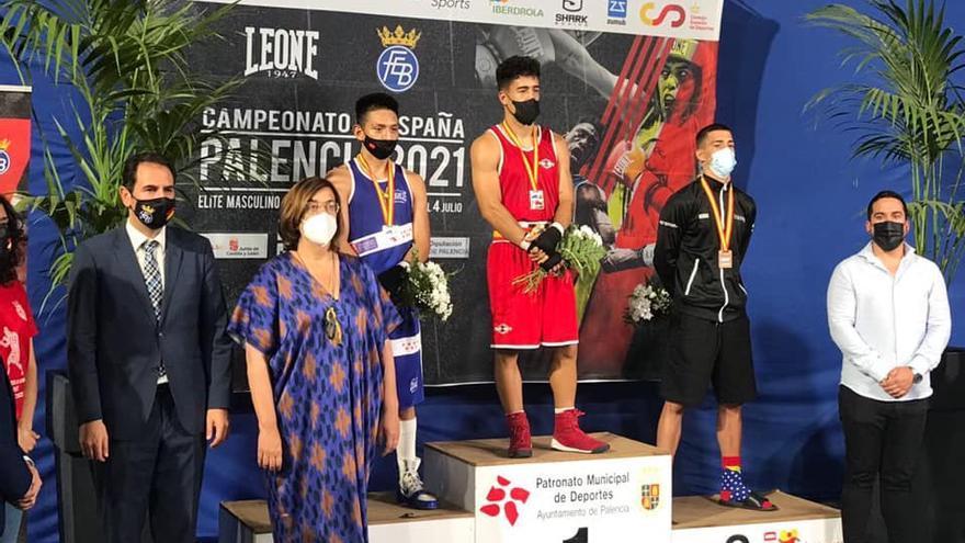 El canario Javier Barroso vence en el Campeonato de España de Boxeo