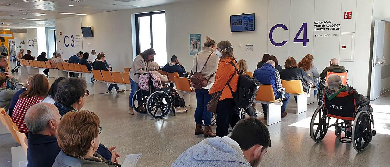 Sala de espera del área de consultas del Hospital Álvaro Cunqueiro de Vigo
