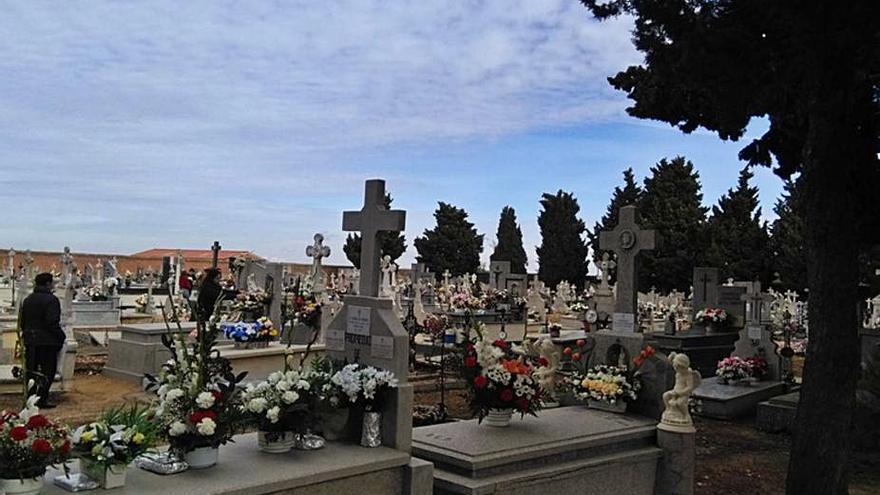 Toro acometerá en breve la ampliación de su cementerio