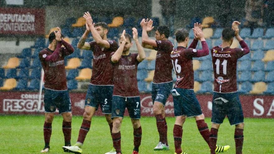 Golpe de autoridad del Pontevedra contra un rival directo (3-1)