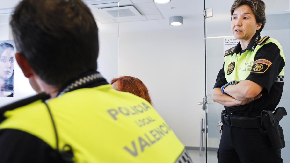 Estefanía Navarrete, comisaria y coordinadora del Grupo GAMA de la Policía Local de València.