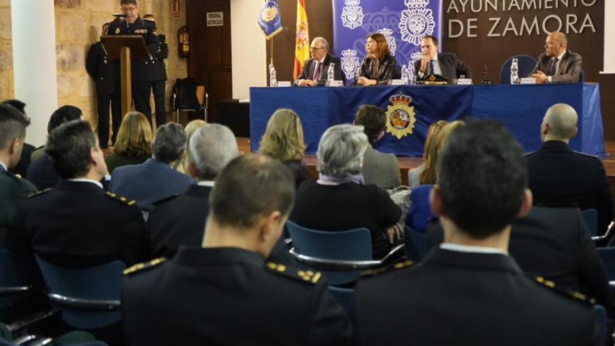 Un momento del acto celebrado en Zamora con motivo del 196 aniversario de la Policía Nacional.
