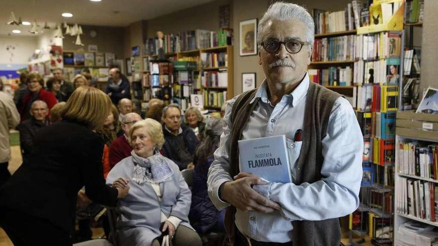 "El pediatra Matesanz presenta su nuevo libro, ""Inusitata Flammola"""