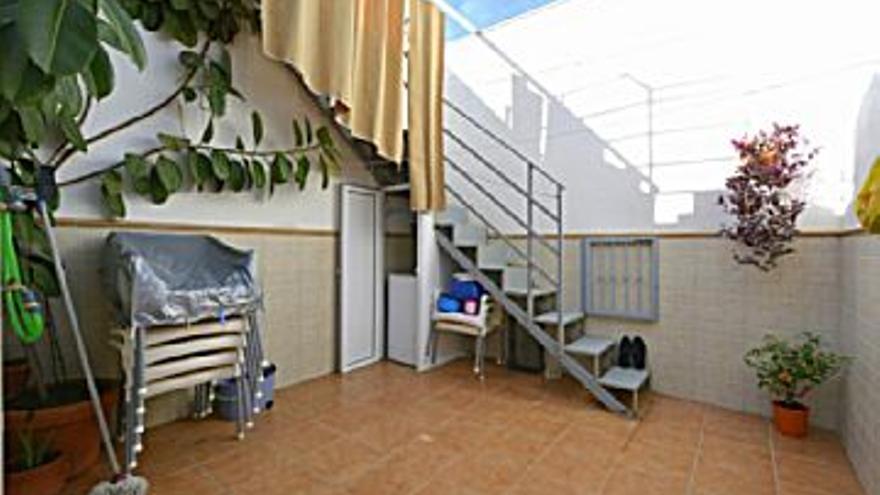 181.350 € Venta de casa en Centro, Casco Antiguo (Cáceres), 4 habitaciones, 2 baños...